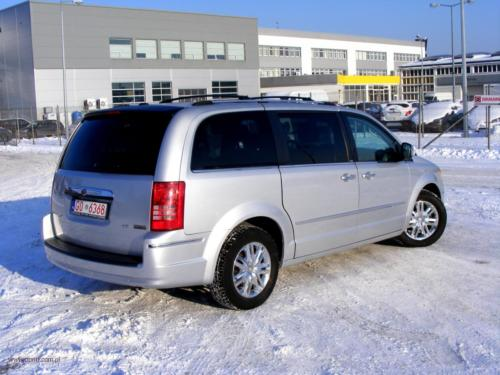 chrysler-town-country-2010-limited[2]